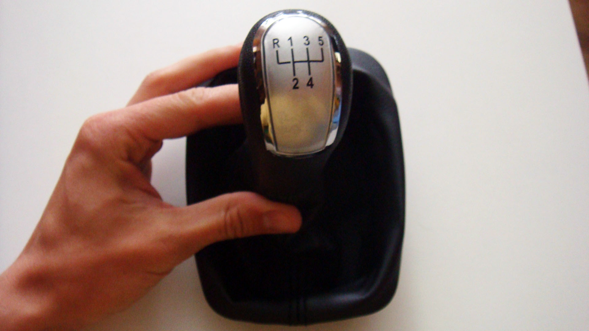 как подсветить ручку переключения передач на skoda